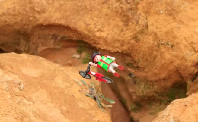 Extreme Toys: Interesante 'Stop Motion' con muñecos de Playmobil practicando Mountain Bike extremo