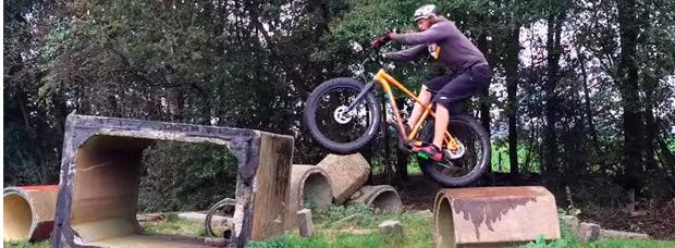 Practicando Trial con una 'Fat Bike' y Rick Koekoek