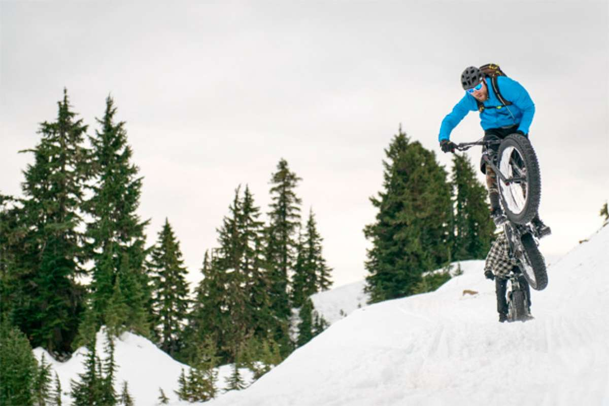 Freeride sobre la nieve con la nueva Blizzard, la 'Fat Bike' de Rocky Mountain