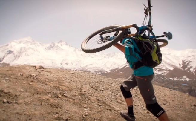 Practicando Mountain Bike en Nepal con Rob-J y Canyon Bicycles