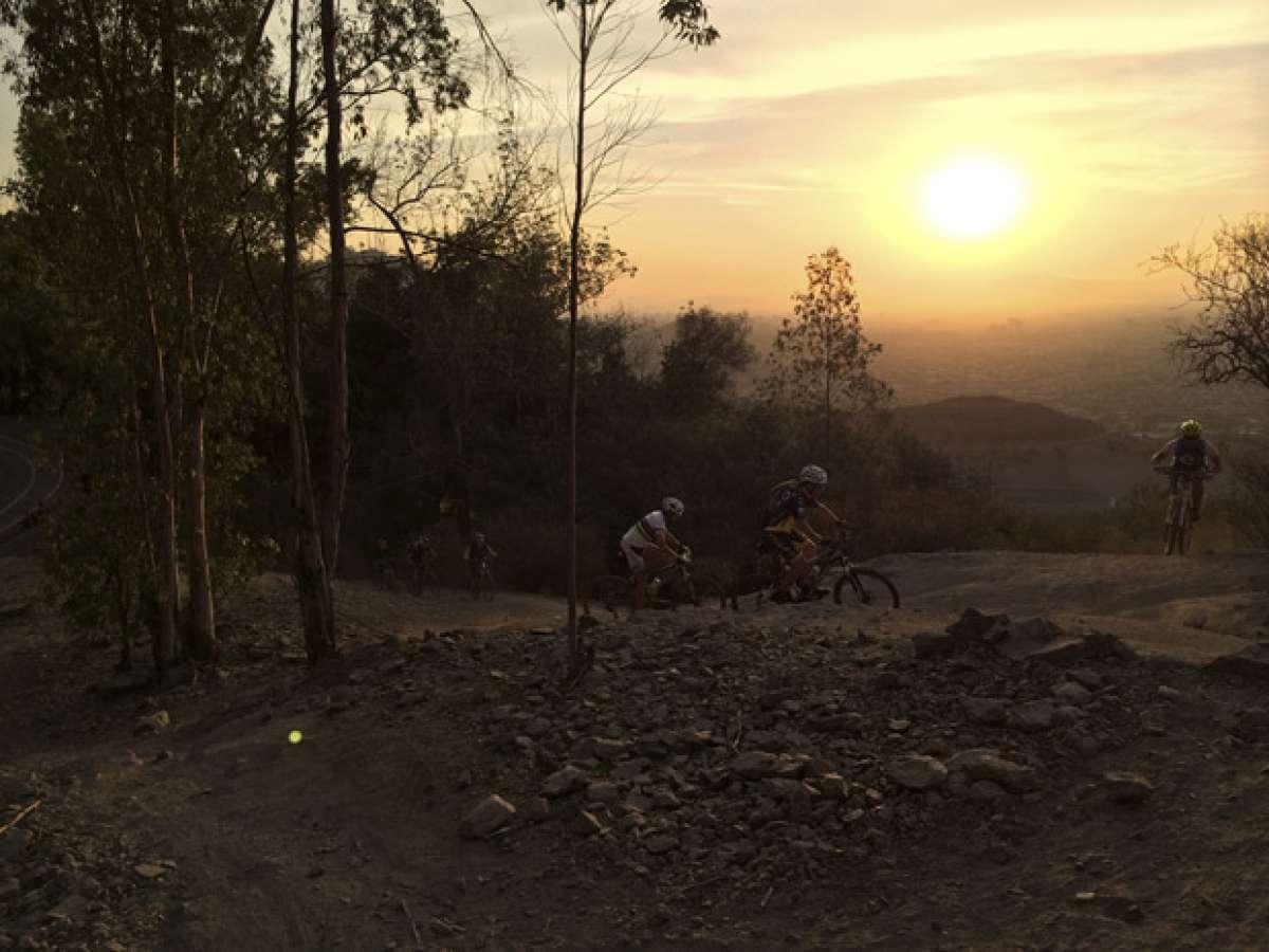 La foto del día en TodoMountainBike: 'El Cerro San Cristóbal (Santiago de Chile)'