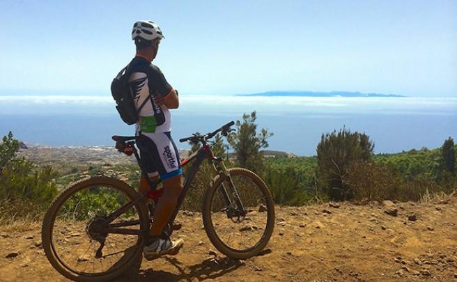 La foto del día en TodoMountainBike: 'Gran Canaria en el horizonte'
