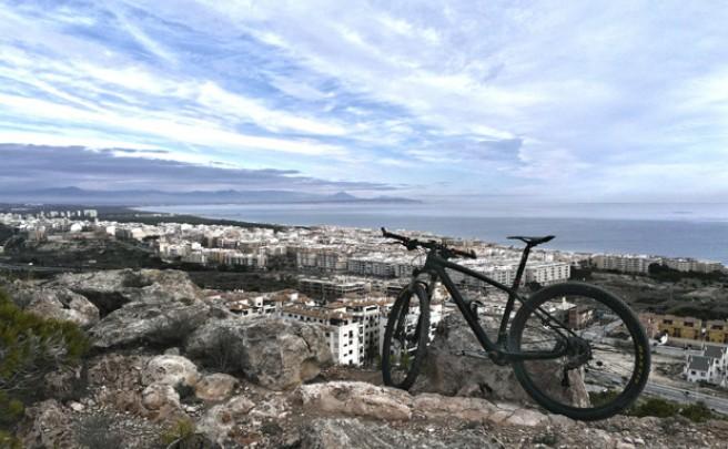 La foto del día en TodoMountainBike: 'Cielo, Mar y Tierra'