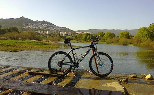 La foto del día en TodoMountainBike: 'Cruzando el río Hozgarganta'