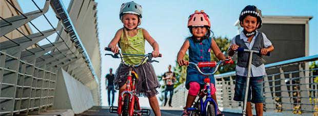 Casco obligatorio para los ciclistas menores de 16 años, en vigor a partir de hoy mismo