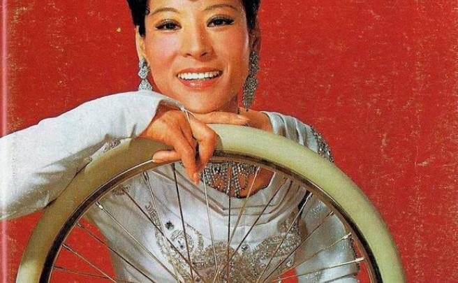 Lilly Yokoi, una acróbata ciclista con mucho, mucho talento