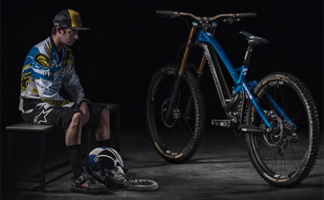Nueva Mondraker Summum Carbon 2015, la máquina de DH más impresionante de la firma española