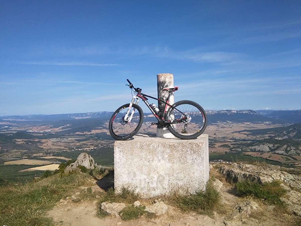 """La foto del día en TodoMountainBike: """"Montejurra e Navarra Estella"""""""