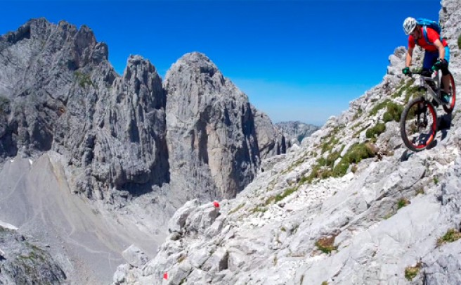 Ciclismo de montaña extremo en el Goinger Halt con Johannes Pistrol