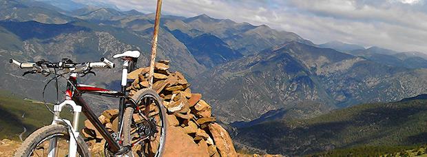 La foto del día en TodoMountainBike: 'Subiendo el Pic Negre (Andorra)'