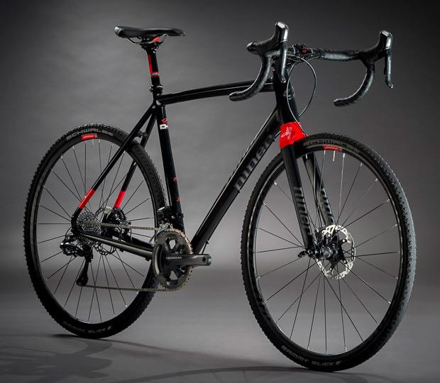 Nueva estética y nuevos montajes para la Niner RLT 9, con horquilla de carbono incluida