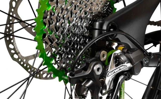 RADr Cage: Nueva pletina de OneUp Components para adaptar los cambios Shimano a piñones de 40 y 42 dientes