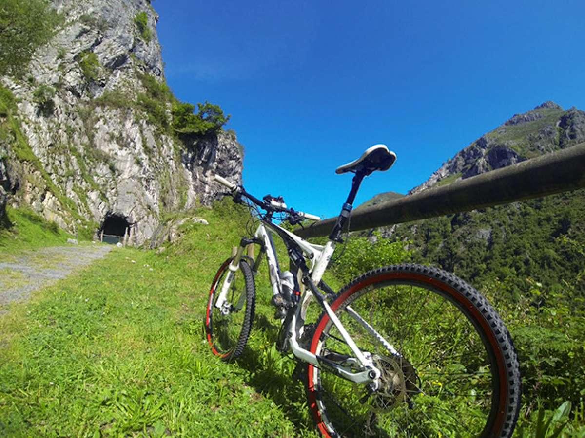 """La foto del día en TodoMountainBike: """"Senda Verde de Lloreo (Loredo, Asturias)"""""""