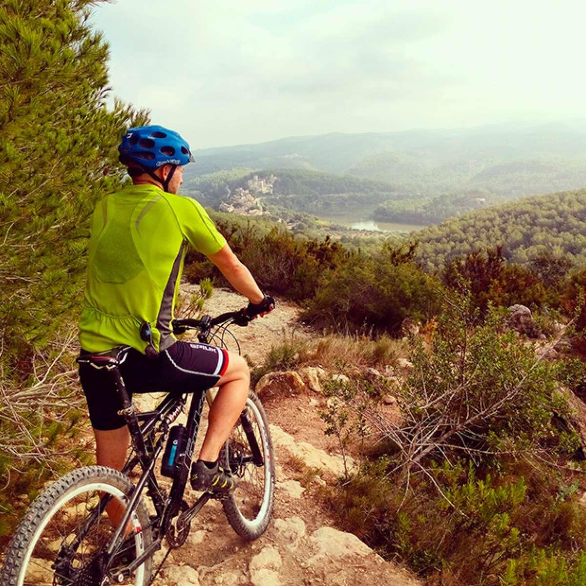 """La foto del día en TodoMountainBike: """"Desde las alturas del Pantano de Foix"""""""