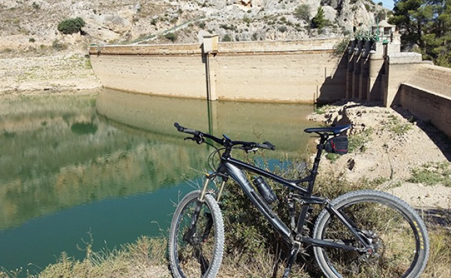 La foto del día en TodoMountainBike: 'Pantano de Mezalocha (Zaragoza)'
