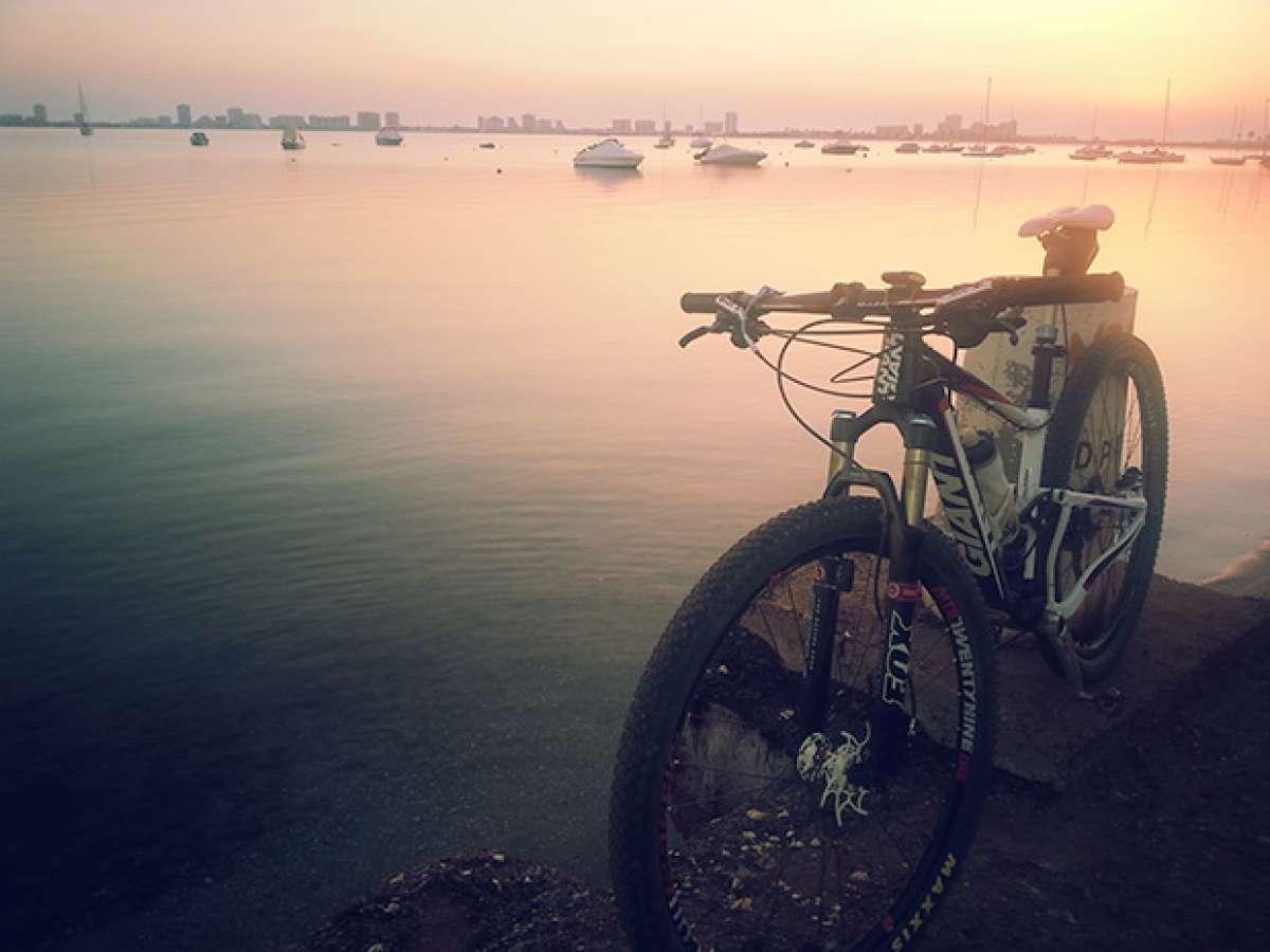 """La foto del día en TodoMountainBike: """"Amanecer en el Mar Menor"""""""