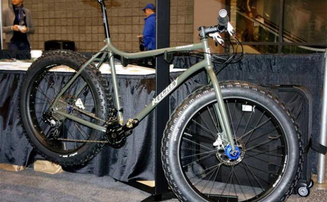 Sorpresa, sorpresa: Una nueva 'ruedas gordas' de Ritchey avistada en el horizonte