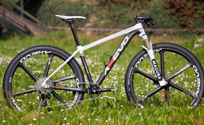 Bike Ahead Composites: Probablemente las ruedas de carbono más impresionantes del mundo