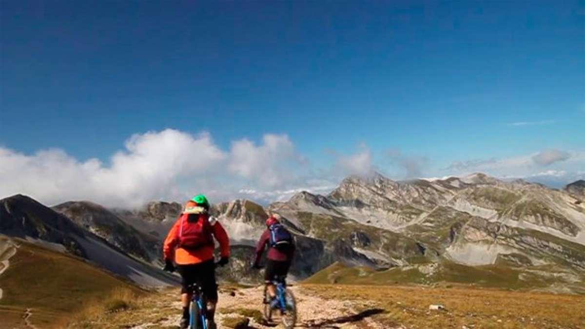 "Montanus: Practicando Mountain Bike en el Gran Sasso d""Italia"