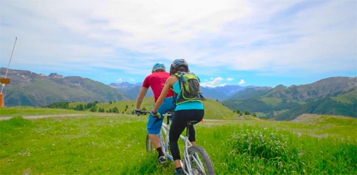 Practicando Mountain Bike en tándem. ¿El desafío definitivo para una pareja?