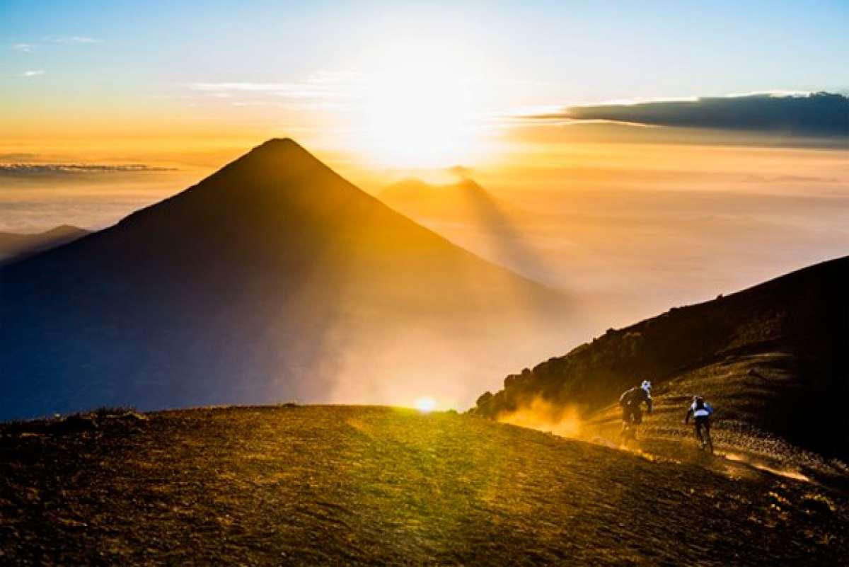 Objetivo: Volcán Acatenango. Mountain Bike en Guatemala a 4.000 metros de altura con Fabien Barel