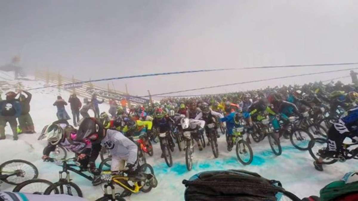 En TodoMountainBike: Así se vive la salida (con 600 corredores) de la Megavalanche Alpe d'Huez 2014