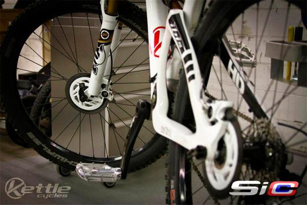 Nuevo diseño y colores para los SiCCC, los discos de freno cerámicos de carbono de Kettle Cycles