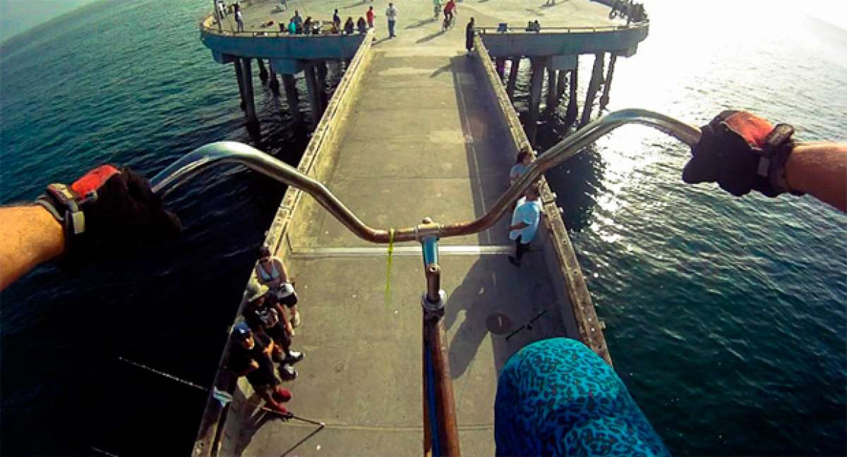 STOOPIDTALLER, la bicicleta más alta del planeta