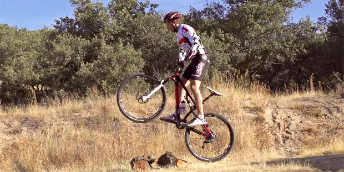 """Aprendiendo la técnica de los saltos en bicicleta o """"Bunny Hop"""". ¿Cómo se hacen?"""