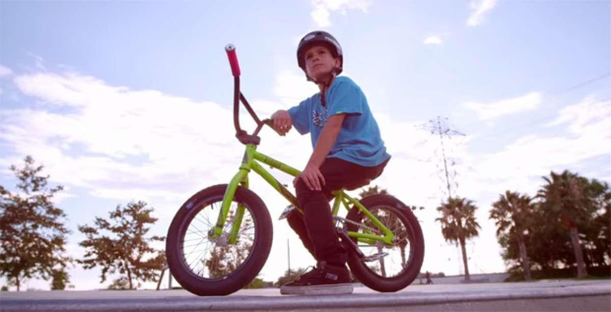 Kaden 'Dubby' Stone: Diez años de edad y diez fantásticos trucos con su bicicleta
