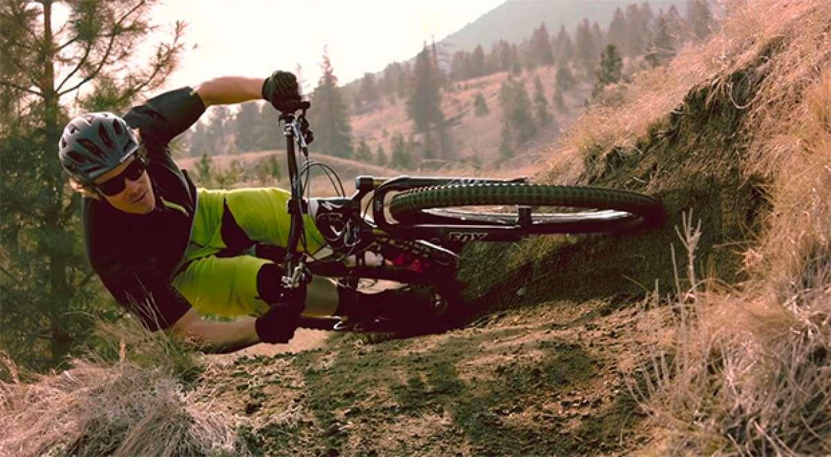 """Desafiando las leyes de la física con Matt Hunter y su increíble y espectacular """"tumbada"""" en bicicleta"""