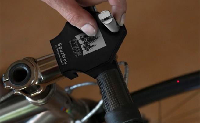 Tune Spurtreu, un dispositivo láser para centrar ruedas de bicicleta a la perfección