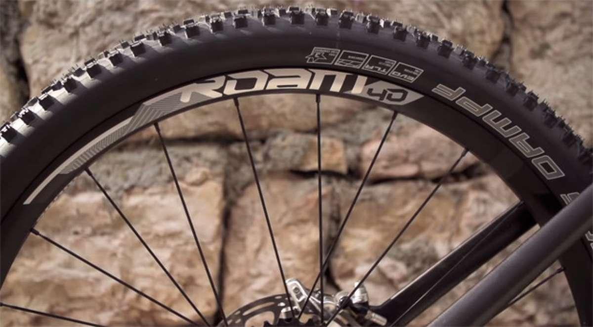 Las nuevas ruedas SRAM Roam 40 y SRAM Roam 30 de 2015 en acción