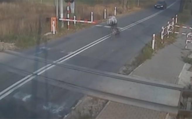 ¿Por qué los ciclistas debemos respetar las normas de tráfico? Por ejemplo, para no chocar con un tren de alta velocidad