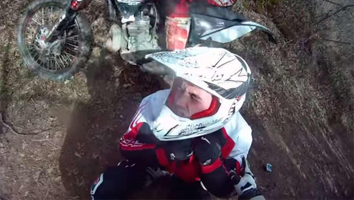 Terrorífico 'encuentro' de un motorista de Enduro con una cuerda cruzada en el camino