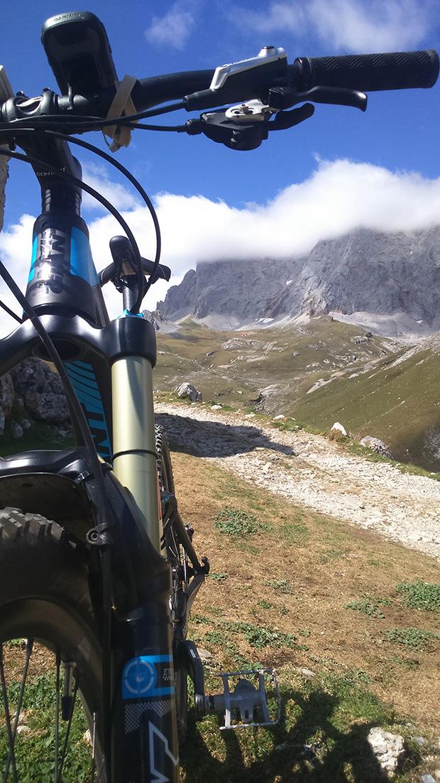 La foto del día en TodoMountainBike: 'En los Picos de Europa'