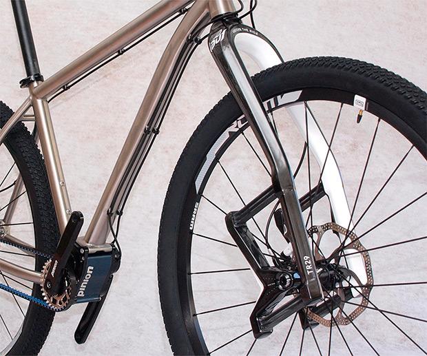 Axxis Zero: Cuadro de titanio, horquilla Lauf, transmisión Pinion y mantenimiento nulo