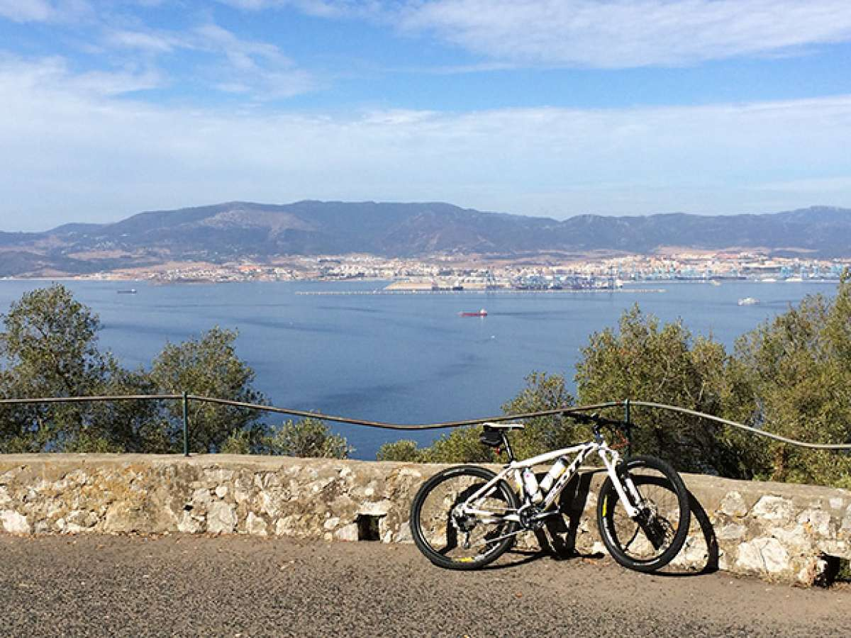 """La foto del día en TodoMountainBike: """"La bahía de Algeciras"""""""