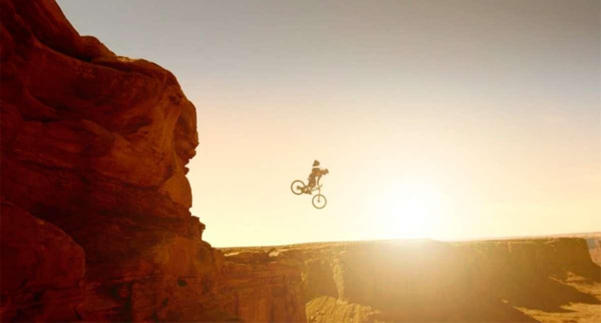 'Beat Down', una parodia (con salto base incluido) acerca de los piques entre ciclistas