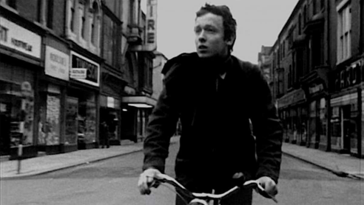 "Para ciclistas cinéfilos: ""Boy and Bicycle"", el primer cortometraje de Ridley Scott"