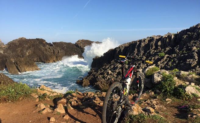 La foto del día en TodoMountainBike: 'Cala de Santa Justa (Cantabria)'