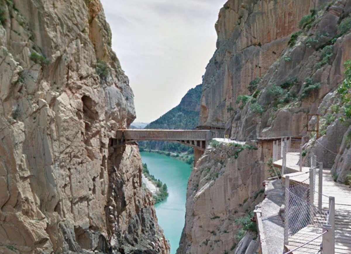 """Un paseo por el """"Caminito del Rey"""" de Málaga desde nuestro propio hogar"""