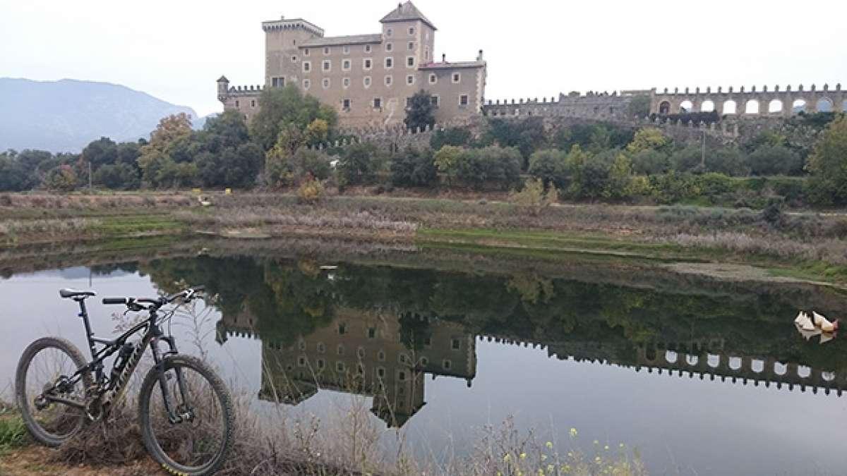 """La foto del día en TodoMountainBike: """"Castillo de Riudabella"""""""