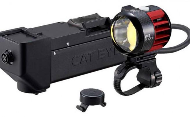 CatEye Volt 6000, un faro con 6.000 lúmenes, refrigeración activa y mando inalámbrico