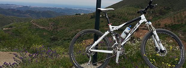 La foto del día en TodoMountainBike: 'Subidita al Cerro Santi-Petri'