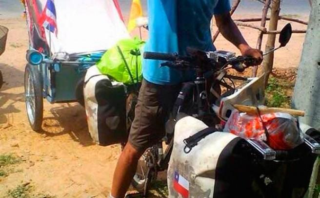 Daba la vuelta al mundo en bicicleta para batir un récord Guinness, pero ha muerto atropellado