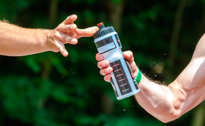 Cinco importantes consejos para pedalear en verano sin morir en el intento