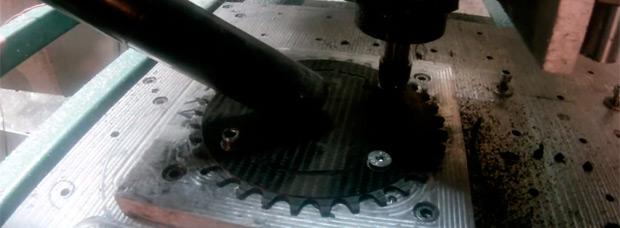 ¿Cómo se mecaniza un plato de carbono para bicicletas de montaña?