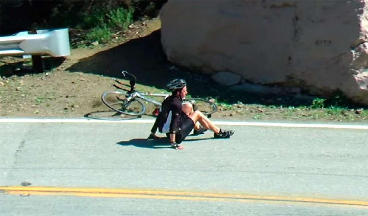 Las dolorosas consecuencias de caerse con una bicicleta sobre el asfalto