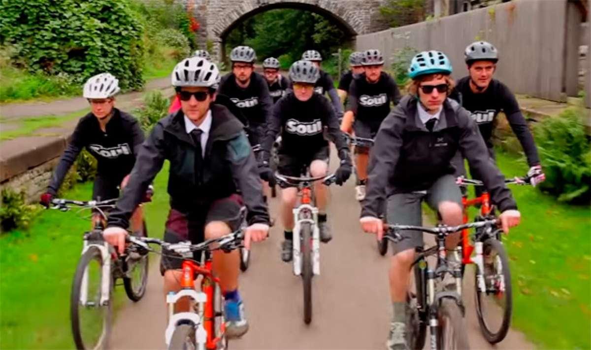 """Empezando el año a """"todo pedal"""" con el motivador anuncio promocional de Cotic Bikes"""